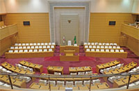 神戸市会本会議場の写真